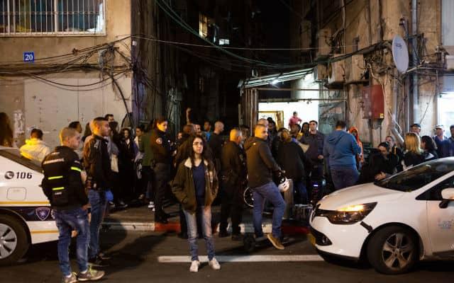 הפגנה מחוץ לאולם שמחות אריתריאי (צילום: דפנה טלמון)