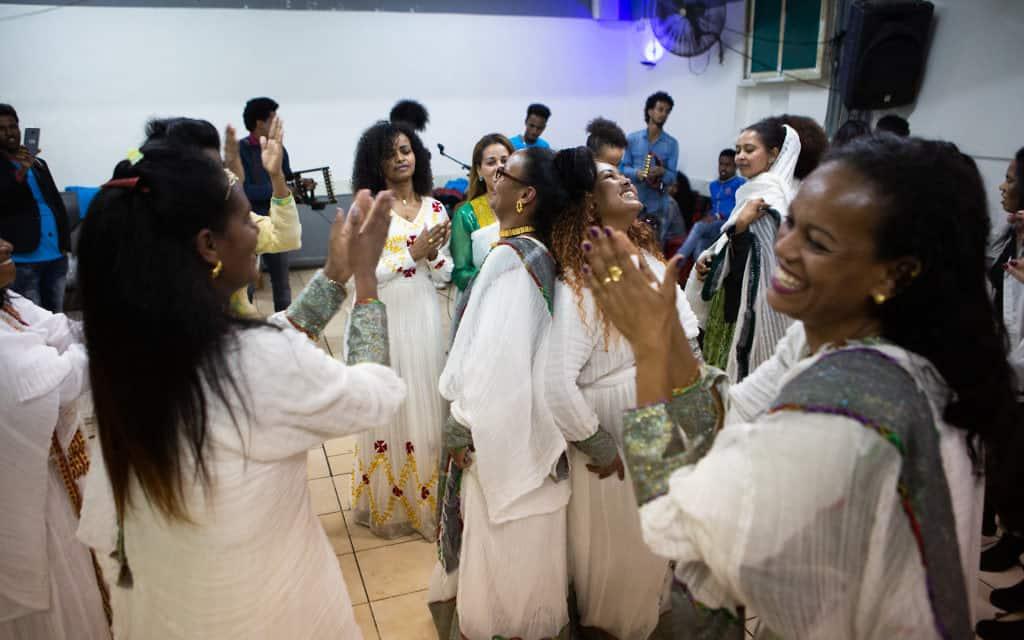 עבודה זרה: תעשיית החתונות (צילום: דפנה טלמון)