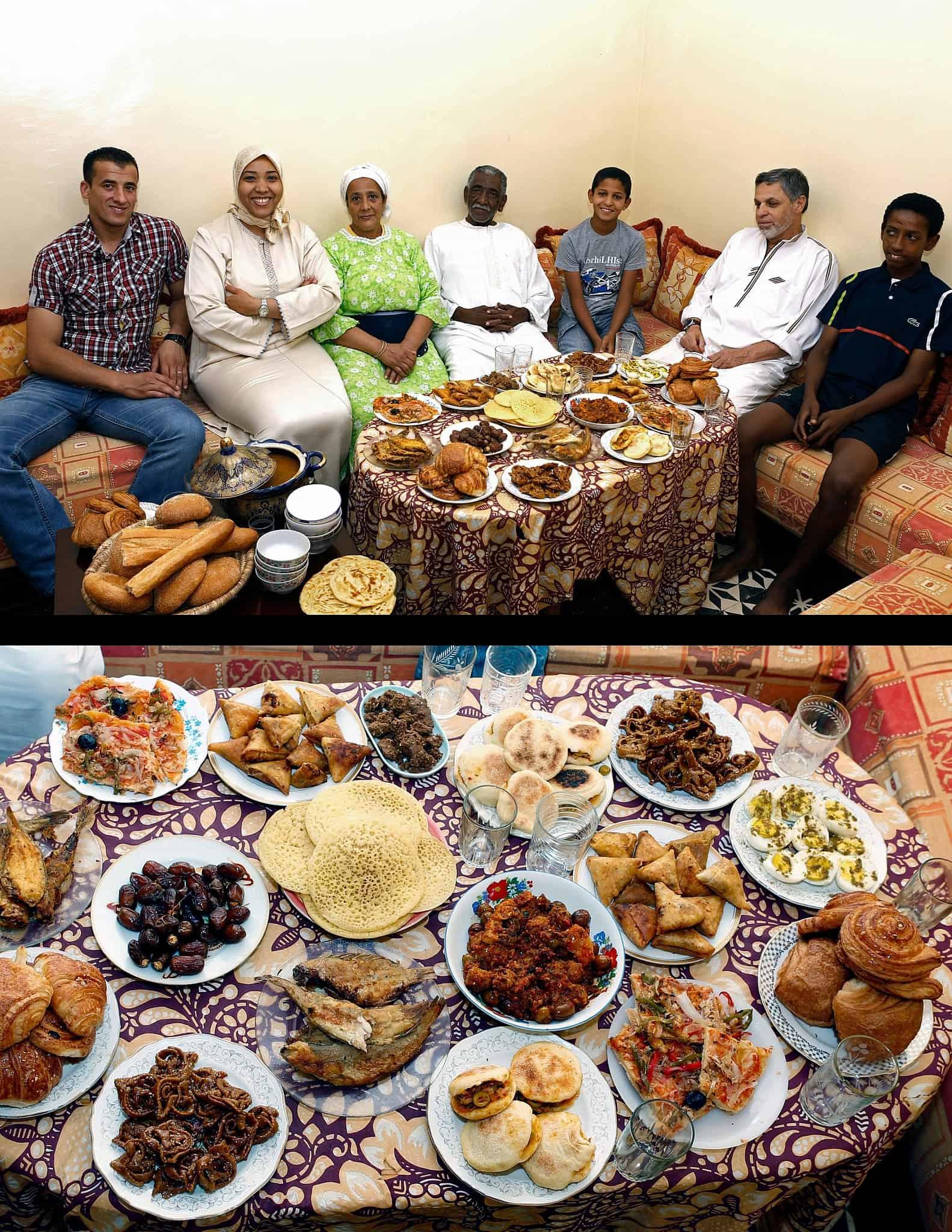 עוד חוזר הטיגון. ארוחה מרוקאית לרמדאן (צילום: AP Photo/Abdeljalil Bounhar)