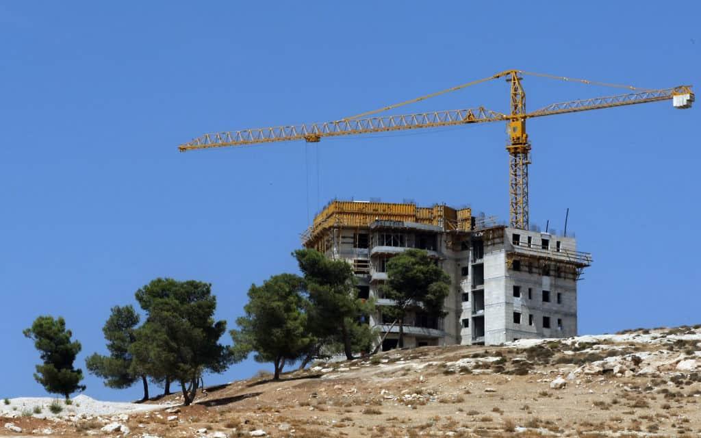 אתר בניה. אילוסטרציה (צילום: קובי גדעון. פלאש 90)