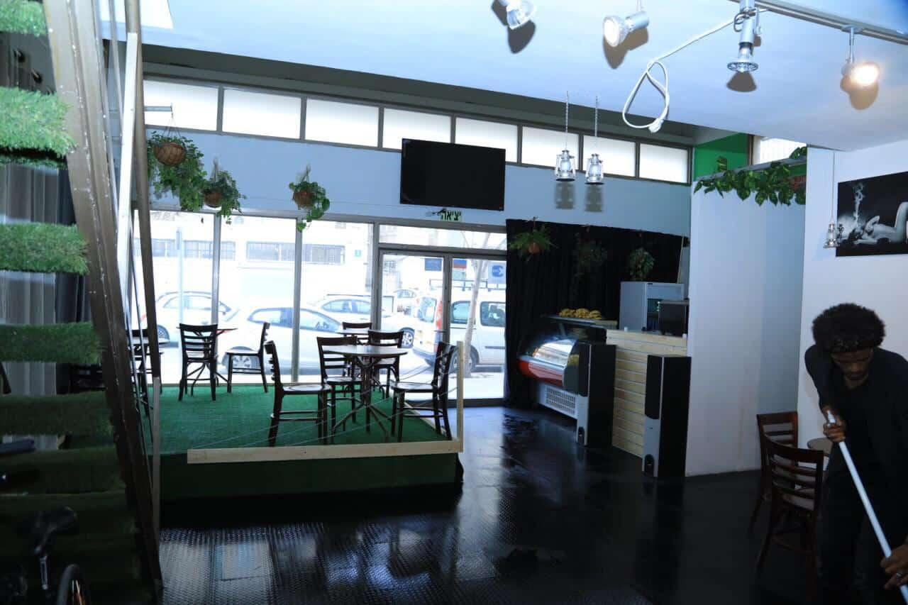 בית הקפה של ג'ימי בדרום תל אביב (צילום: עידוא דגן)