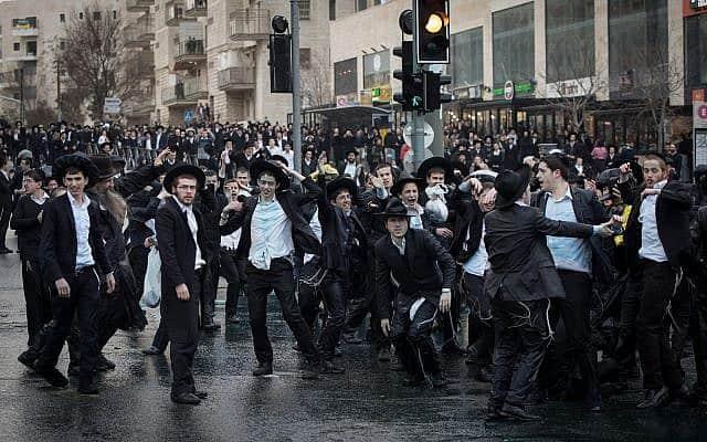 הפגנת חרדים בירושלים נגד מעצר של צעיר חרדי שסרב להתגייס. מרץ 2019 (צילום: נועם ריבקין / פלאש 90)