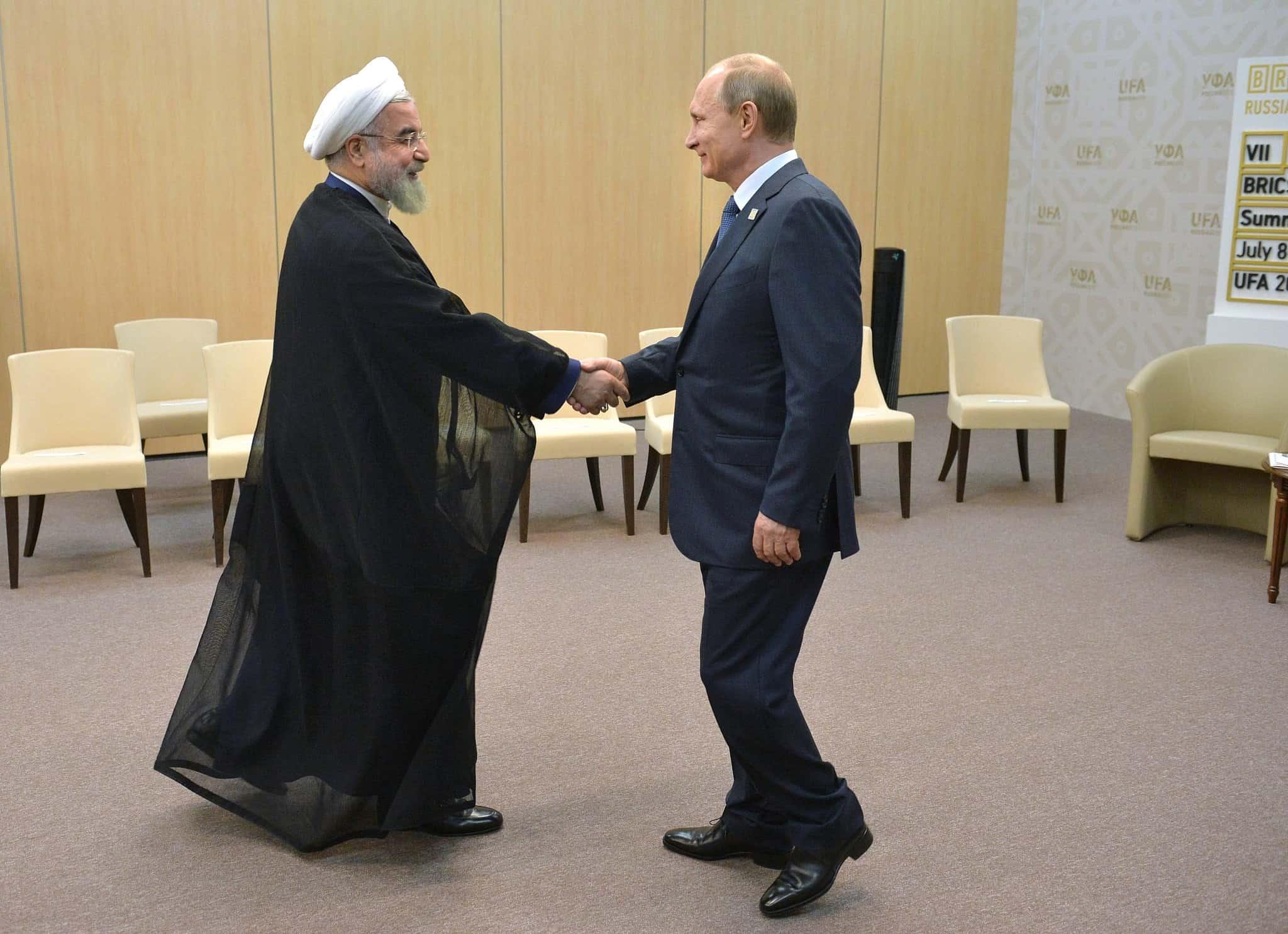 נשיא איראן רוחאני ונשיא רוסיה פוטין בעת ביקור רוחאני במוסקבה (צילום: אלכסיי דרוזינין RIA נובוסטי, דרך AP)