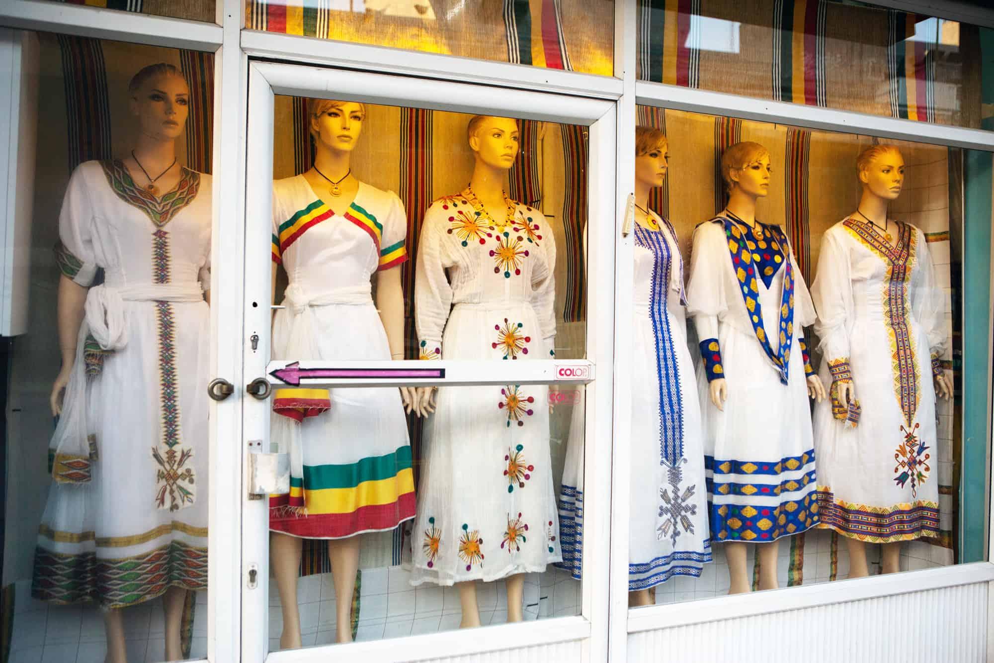 חנות בגדי חתונה אריתראיים (צילום: דפנה טלמון)