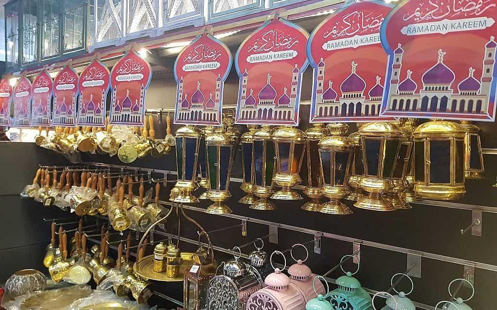 בעזה נערכים לרמדאן בצל ההסלמה (צילום: מוחמד סאלם)