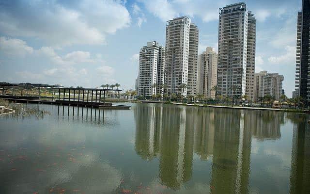האגם האקולוגי בפתח תקווה (צילום: עיריית פתח תקווה)