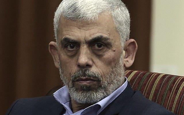 מנהיג חמאס יחיא סינואר (צילום: AP Photo / Khalil Hamra)