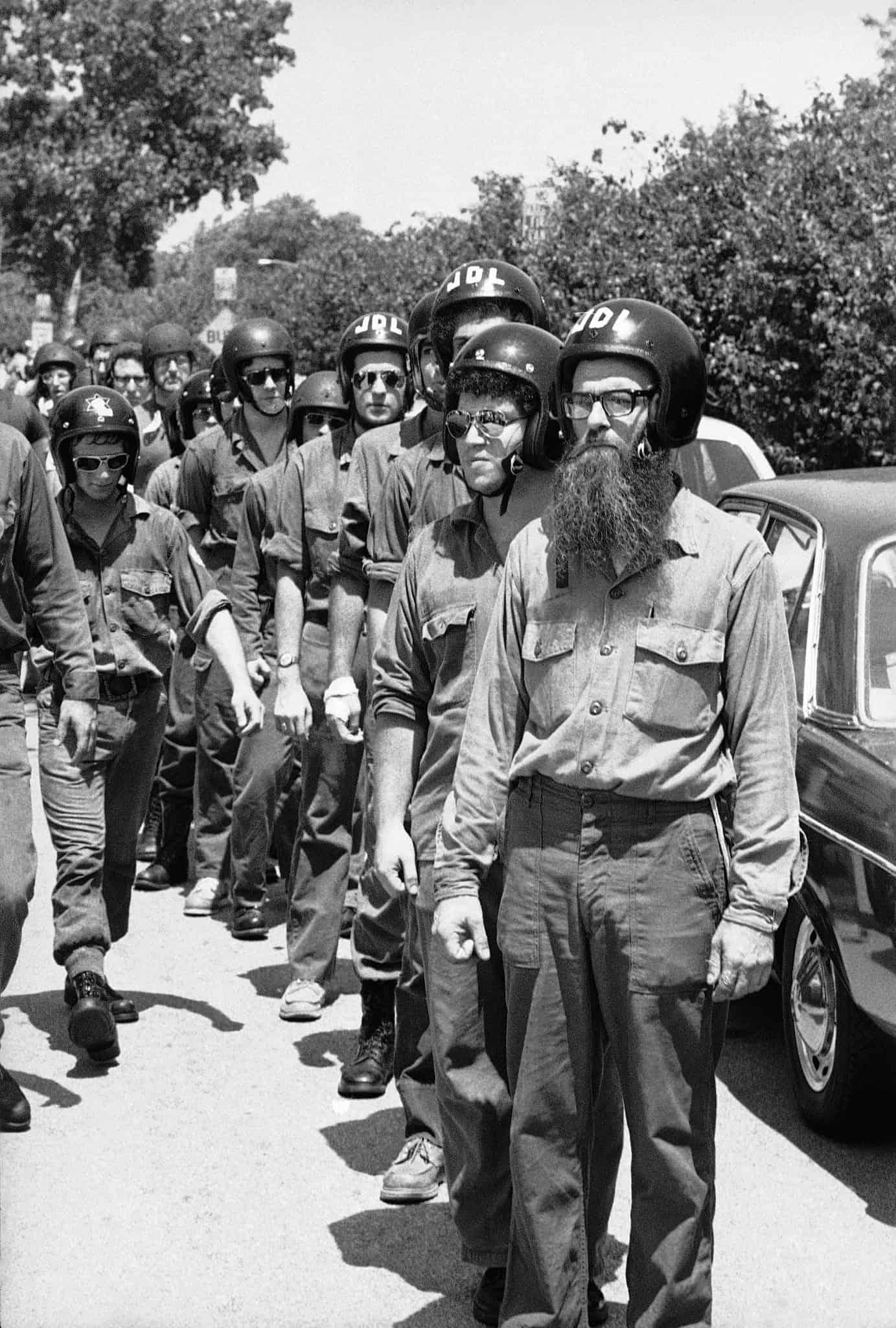 פעילים יהודיים מפגינים נגד ניאו-נאצים סביב פרשת סקוקי, 1977 (צילום: AP Photo/K. Love)