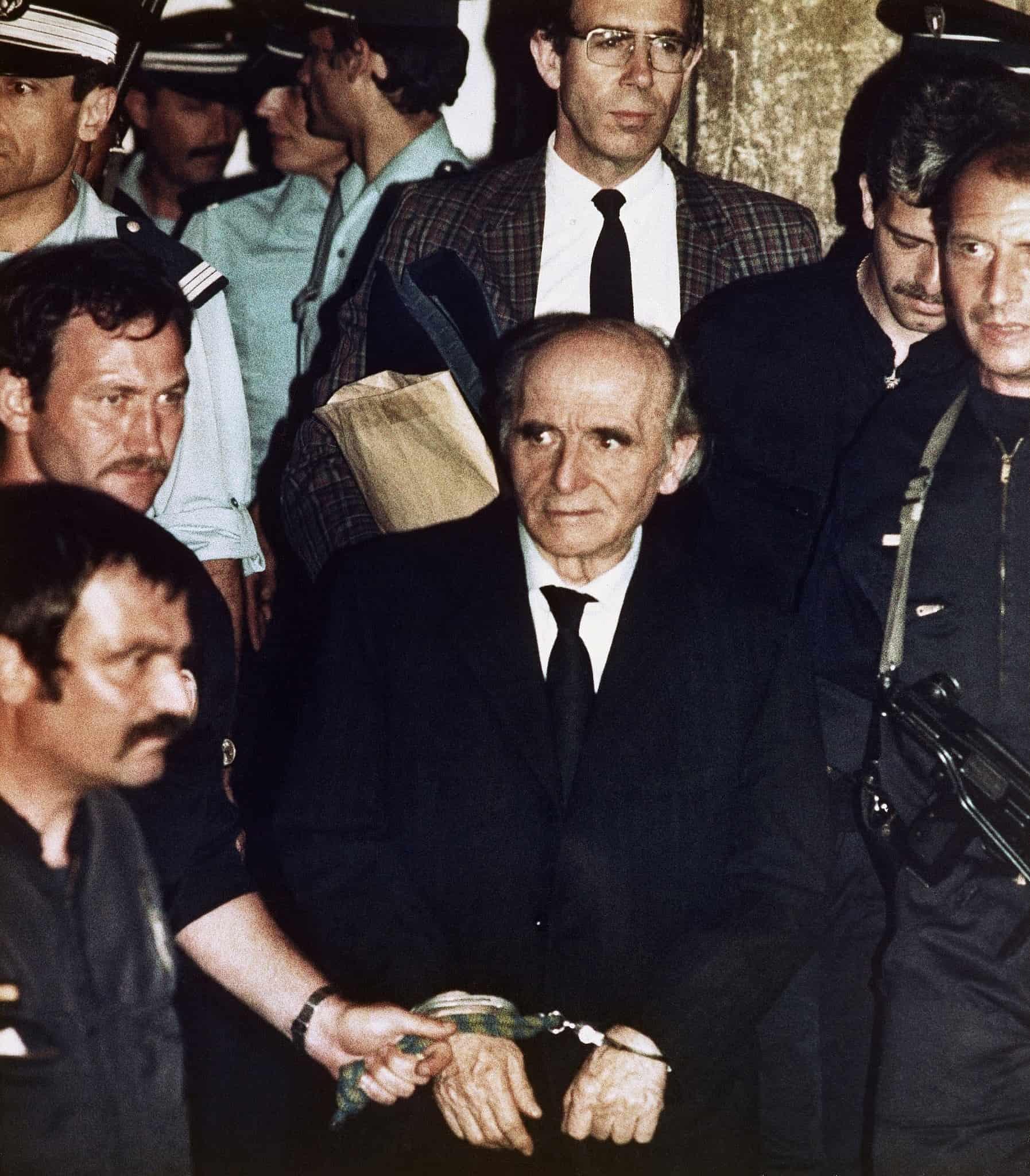 קלאוס ברבי, הקצב מליון, לאחר הרשעתו ב-1987 (צילום: AP Photo/Laurent Rebours))