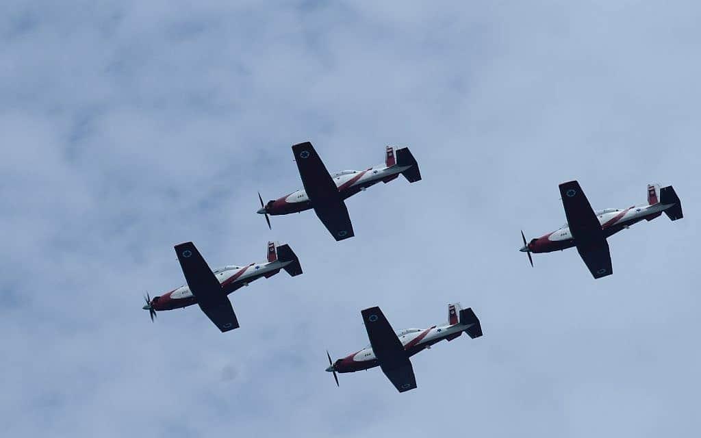 מטוסי עפרוני בחזרות למטס חיל האוויר (צילום: Tomer Neuberg/Flash90)