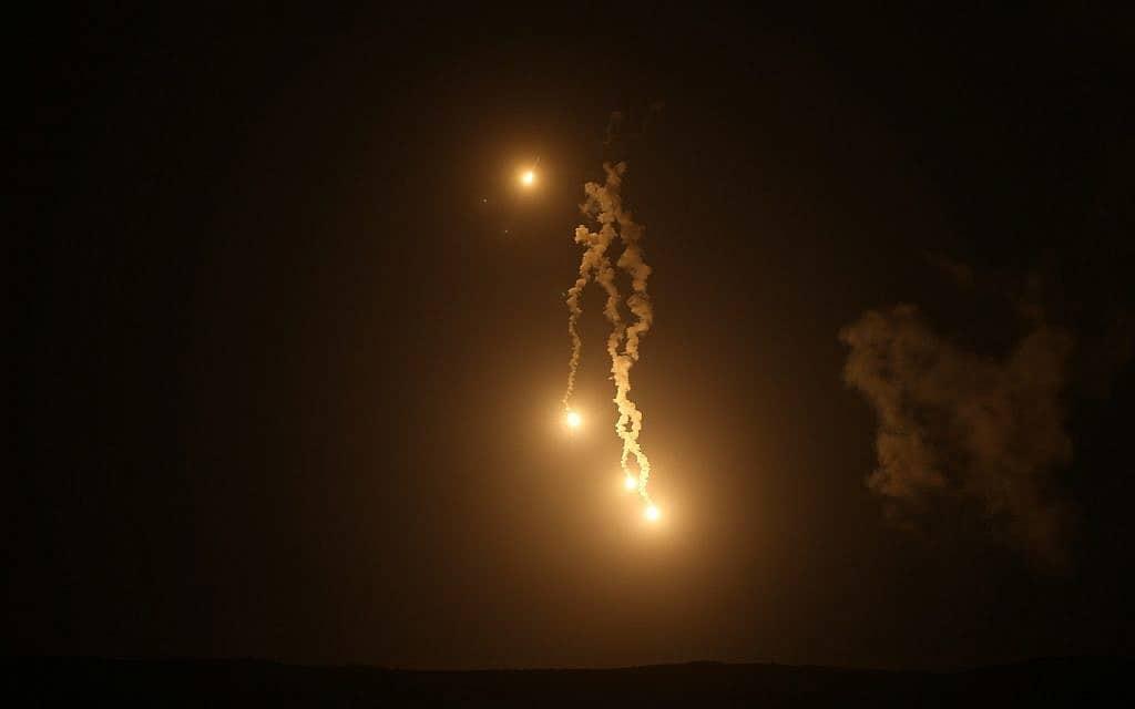 הפצצה לילית על עזה צילום ארכיון (צילום: נתי שוחט פלאש 90)