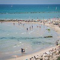חוף בת ים (צילום: דריו סנצ'ז, פלאש 90)