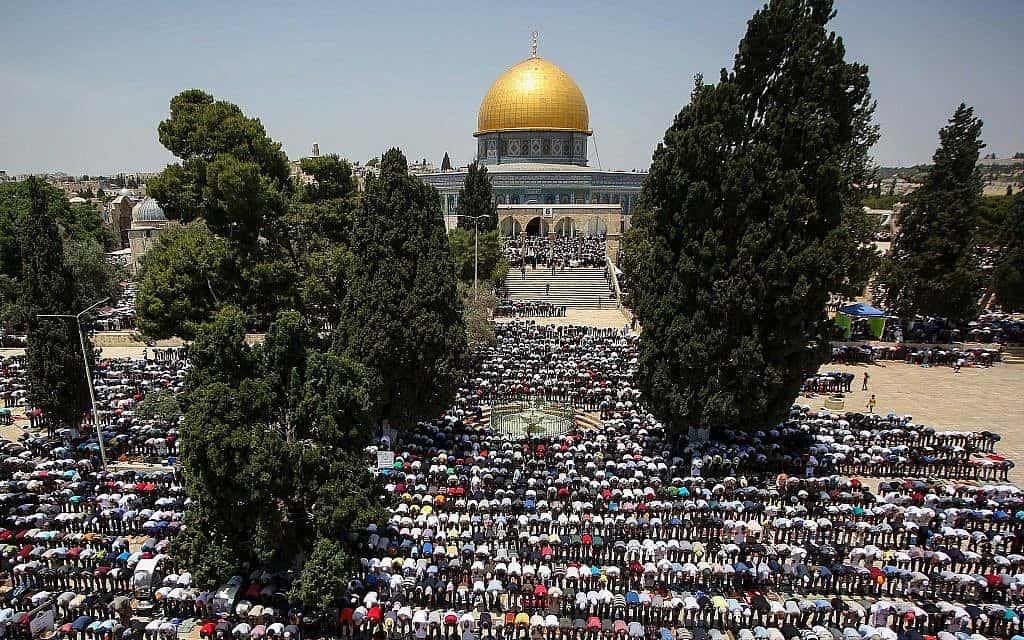 מתפללים ברמדאן בירושלים, מאי 2019 (צילום: פלאש 90)