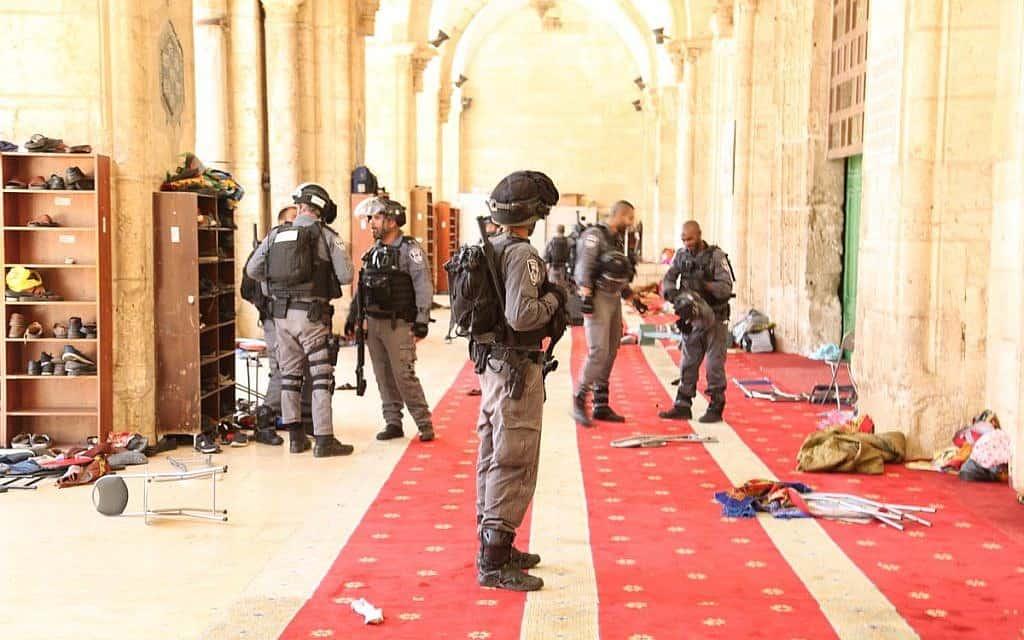 פריצת משמר הגבול למסגד אל אקצה (צילום: משטרת ישראל)