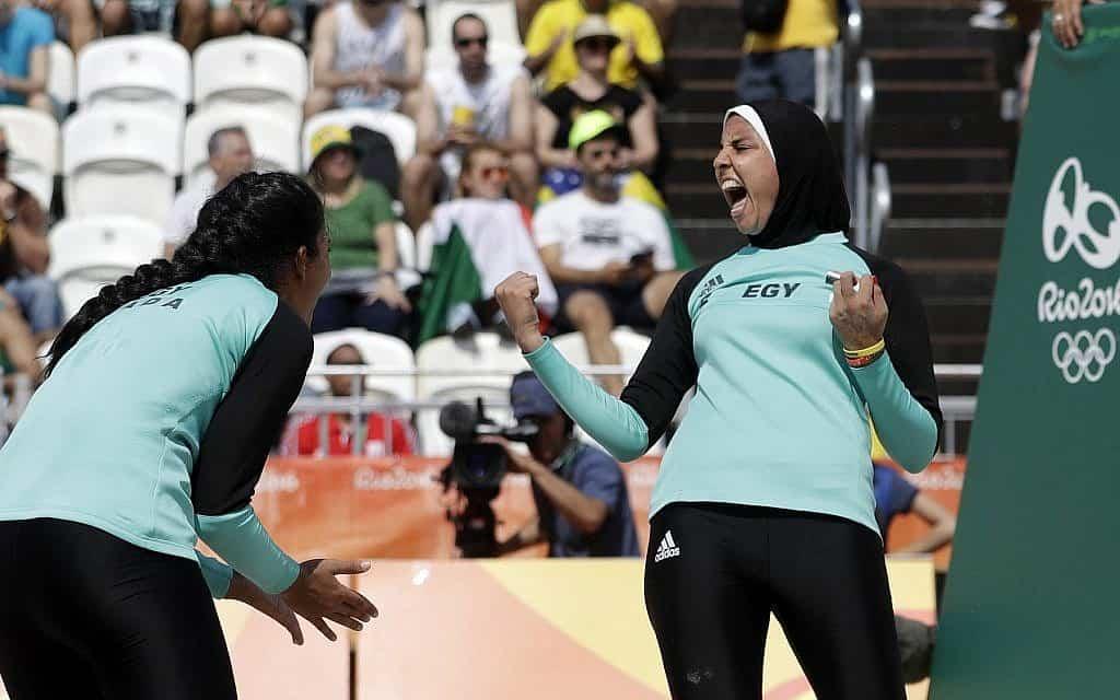 נבחרת הכדורעף המצרית באולימפיאדת ריו, 2016 (צילום: AP Photo/Marcio Jose Sanchez)