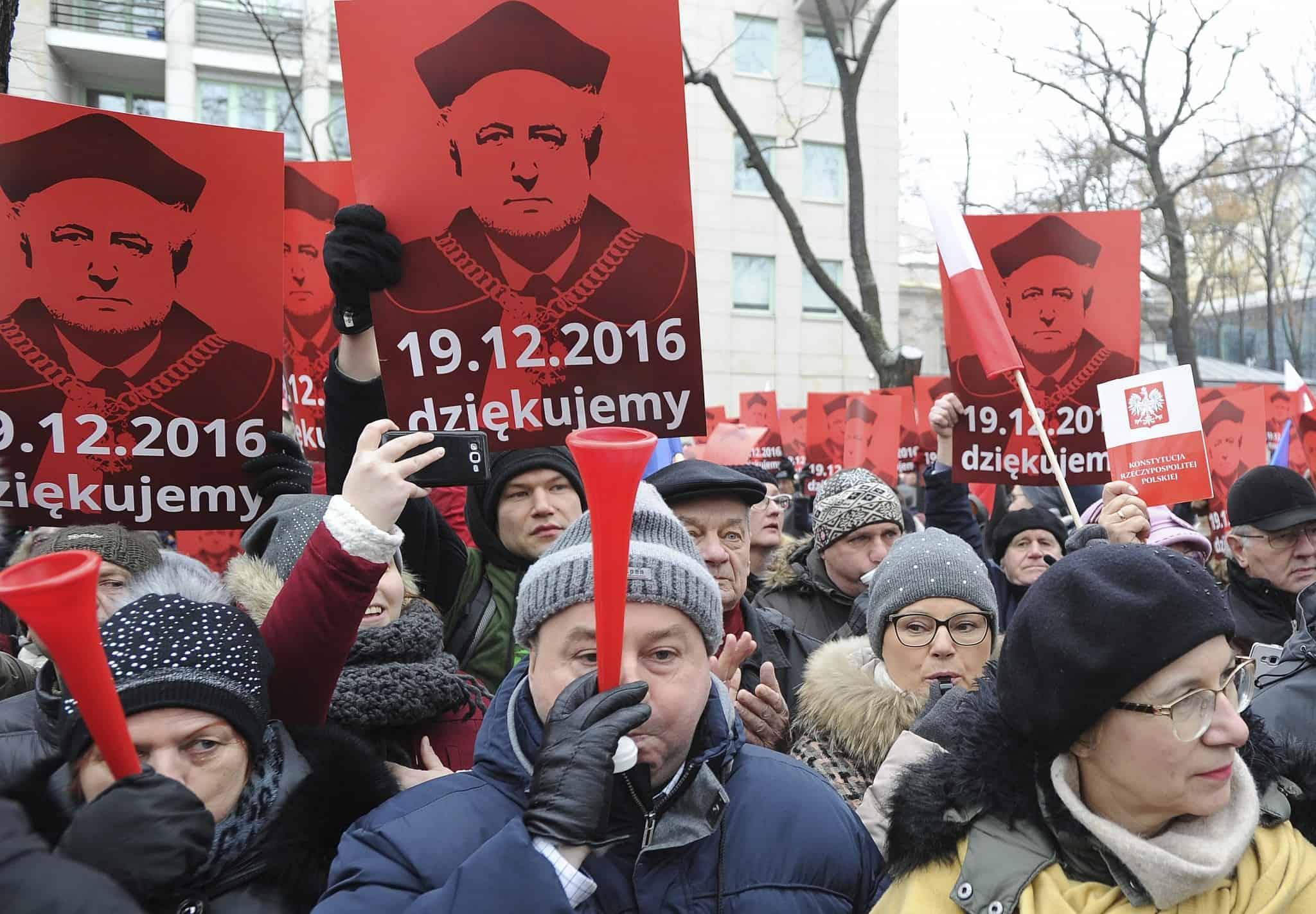 הפגנות בפולין (צילום: (AP Photo/Alik Keplicz))