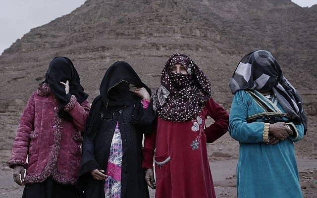 מדריכות הטיולים הנשים הבדואיות הראשונות בסיני, 2019 (צילום: AP Photo/Nariman El-Mofty)