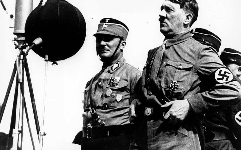 אדולף היטלר, 1933 (צילום: AP)