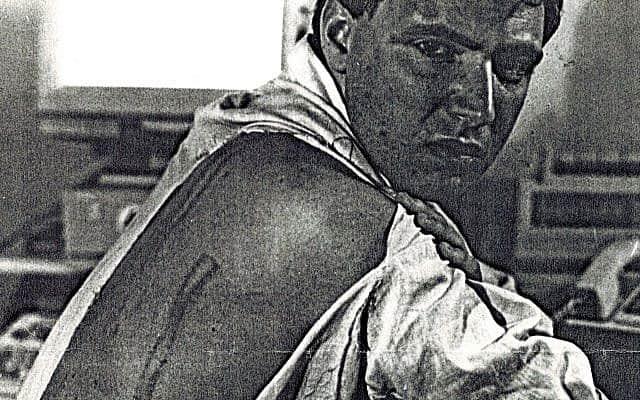 הכותב במעצר, באדיבות משטרת בוקרשט