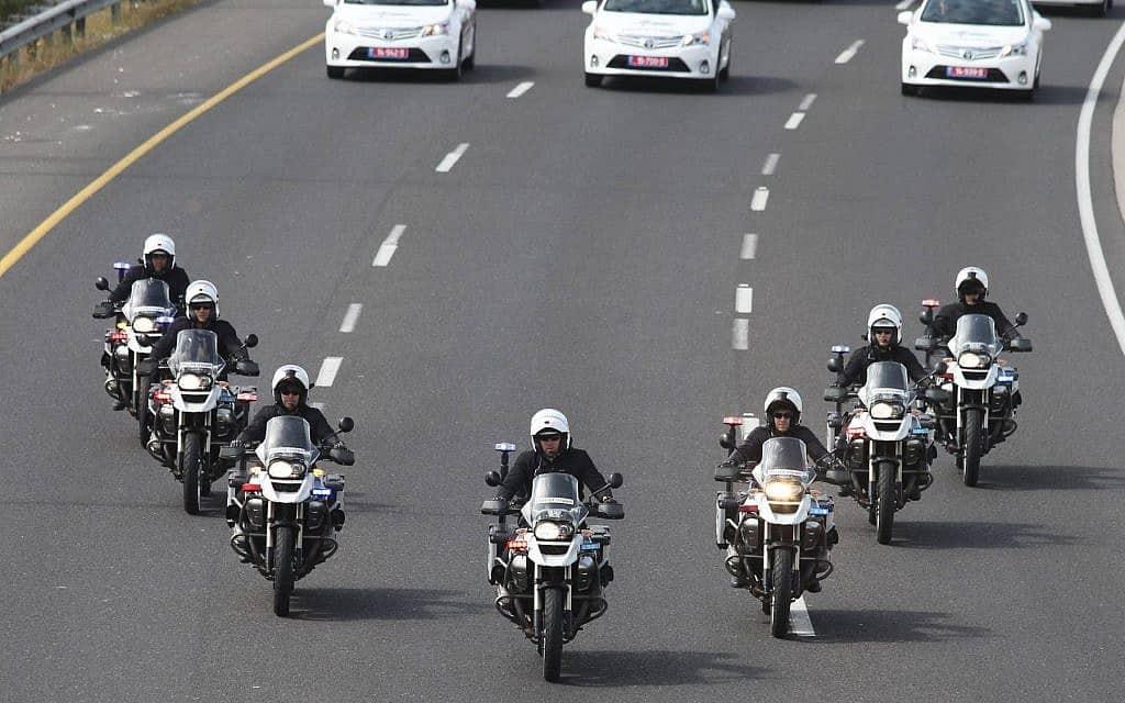 אופנועני המשטרה מלווים את שיירת הנשיא אובמה בישראל, 2013 (צילום: פלאש 90)