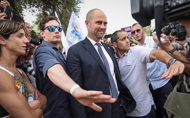 אמיר אוחנה במצעד הגאווה בירושלים (צילום: y Noam Revkin Fenton/Flash90)