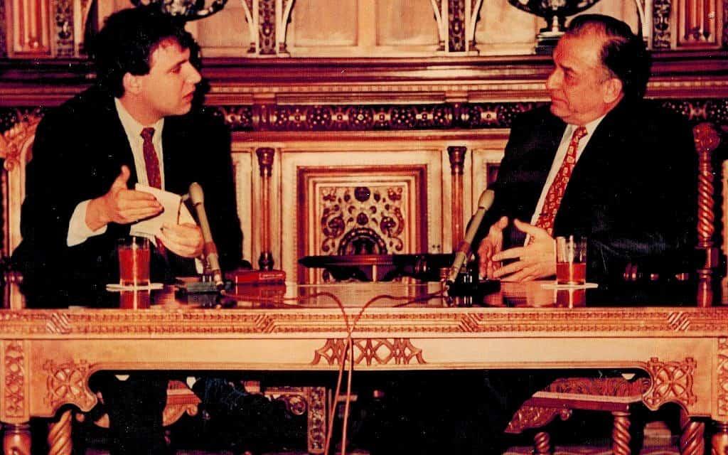 נשיא רומניה משקר למחבר (צילום: דן פרי)