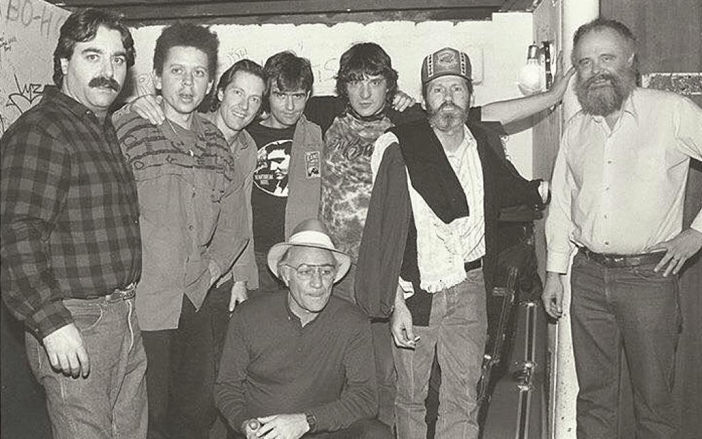 להקת The Band מאחורי הקלעים ב- My Father's Place בלונג איילנד, ניו יורק (צילום: סטיב רוזנפלד)