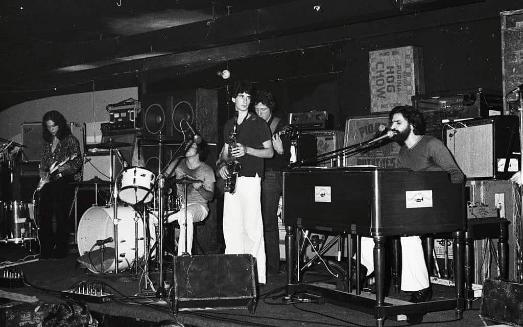 The Young Rascals מופיעים במועדון של אפשטיין ב-1979 (צילום: סטיב רוזנפלד)