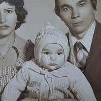 אני וההורים שלי ילנה וניקולאי (צילום: מהאלבום הפרטי)