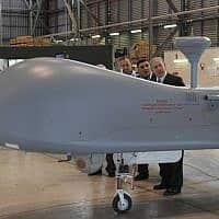 .ביקור ראש הממשלה נתניהו בתעשייה האווירית (צילום: עמוס בן גרשון, פלאש 90)