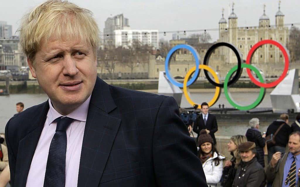 אז-ראש עיריית לונדון, בוריס ג׳ונסון, משיק את ארועי אולימפיאדת לונדון 2012 (צילום: AP Photo/Sang Tan)