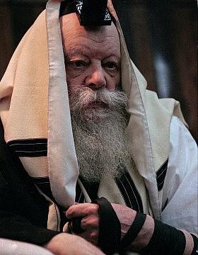 הרבי מלובביץ׳, מנחם מנדל שניאורסון. מרץ 1992 (צילום: AP Photo/Mike Albans)