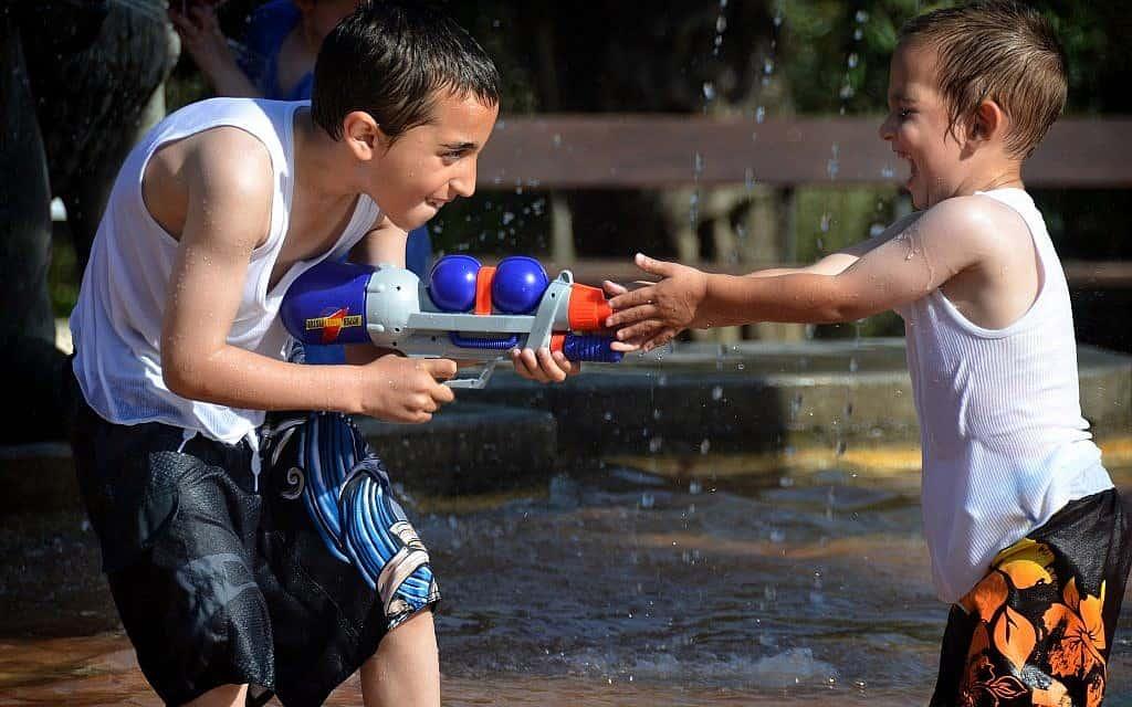 מלחמת מים בירושלים (צילום: Danna Hymanson/FLASH90)