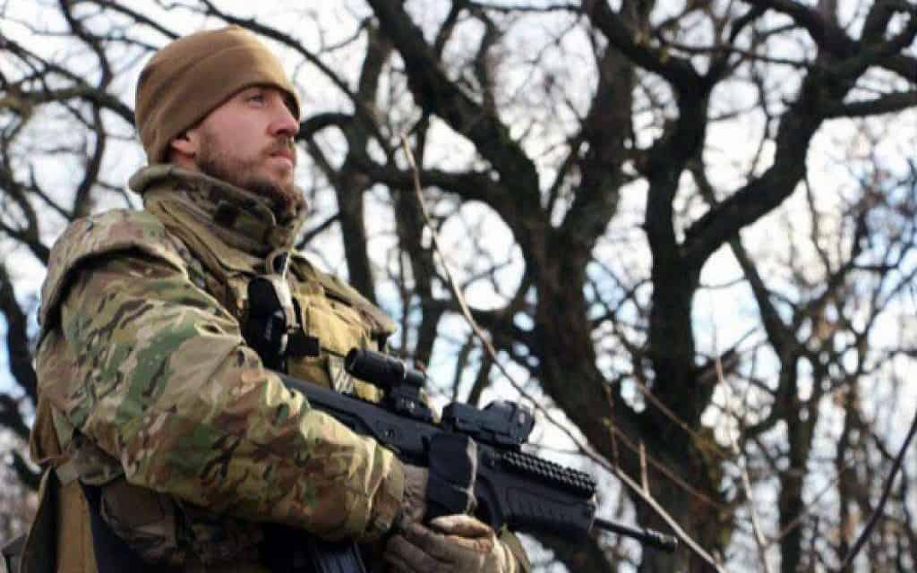 לוחם המיליציה האוקראינית ״אזוב״