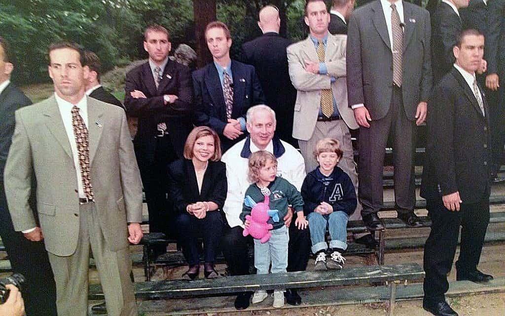 משפחת נתניהו בחופשה (צילום: אבי אוחיון/לע״מ)