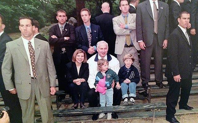 מהארכיון: משפחת נתניהו בחופשה (צילום: אבי אוחיון/לע״מ)