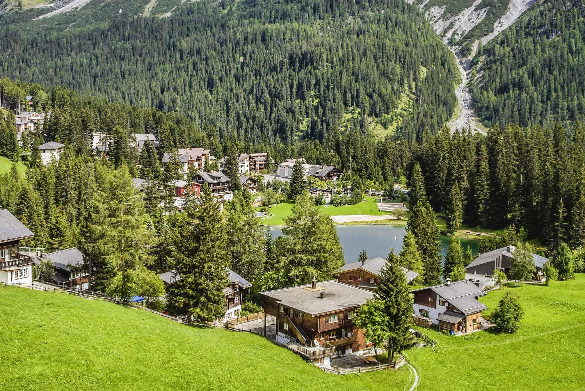 מבט על ארוזה, שווייץ, בקיץ (צילום: Olaf Protze/LightRocket באמצעות Getty Images)