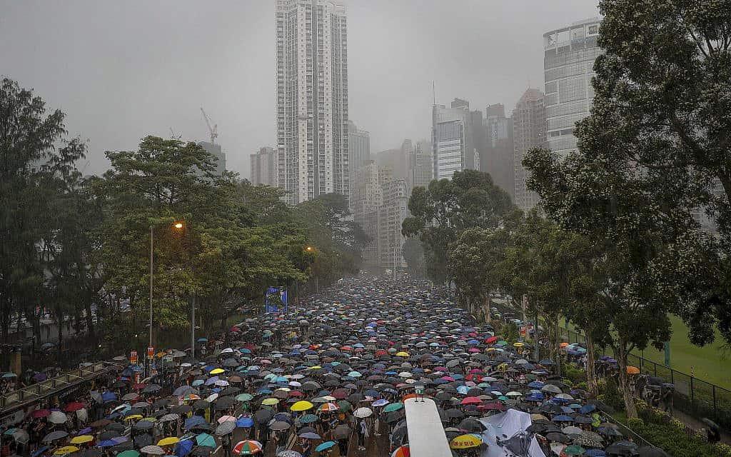 הפגנות בהונג קונג (צילום: AP Photo/Vincent Thian)