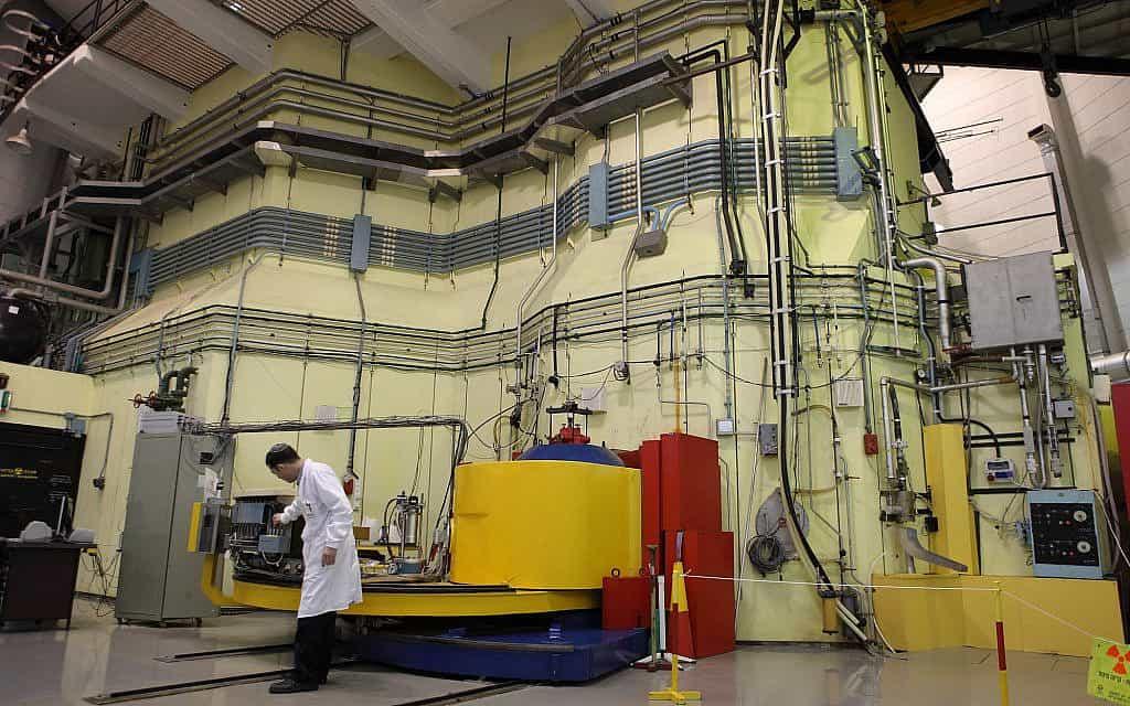 מבט פנימי על המרכז למחקר גרעיני שורק (צילום: יעקב נעומי/פלאש 90)