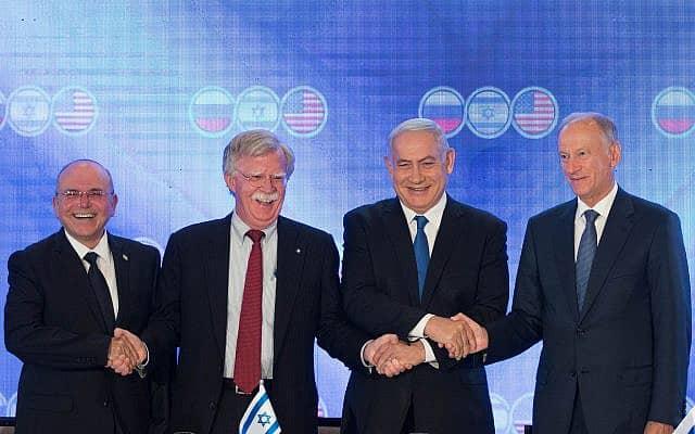 מימין: ניקולאי פטרושוב, בנימין נתניהו, ג׳ון בולטון ומאיר בן-שבת, ב-25 ביוני 2019 (צילום: נועם רבקין פנטון/פלאש90)