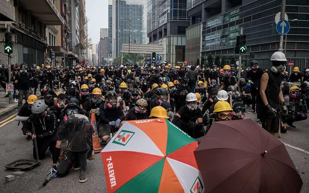 הפגנות בהונג קונג (צילום: ליליאן סוואנרומפה / AFP / גטי אימג'ז)