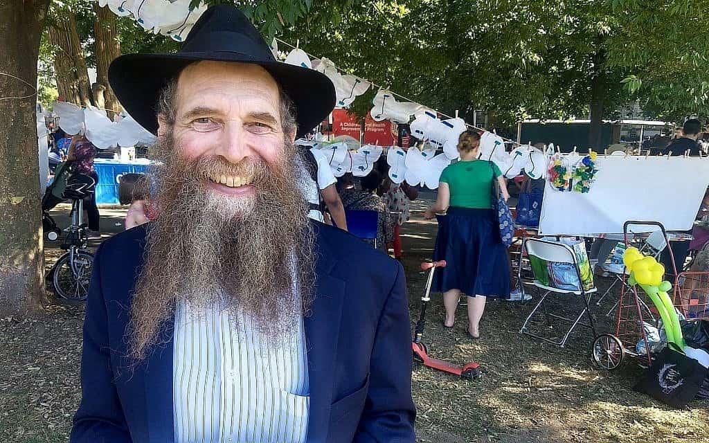3. הרב אלי כהן אמר שהיחסים בשכונה השתפרו מאז המהומות של שנת 1991 (צילום: בן סלס)
