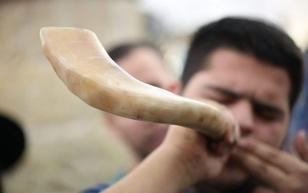תקיעת שופר בהר מרון, ב-9 בספטמבר 2017 (צילום: דוד כהן/פלאש90)