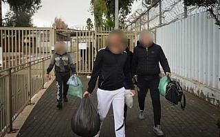 אסירים משתחררים ממעשיהו, 2018, למצולמים אין קשר לנאמר בכתבה, ארכיון (צילום: Avi Dishi/Flash90)