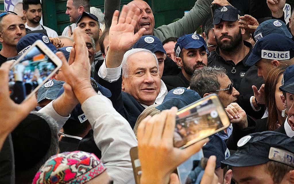 בנימין נתניהו בביקור בשוק התקווה בתל אביב, ב-2 באפריל 2019 (צילום: פלאש90)