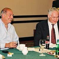 בנימין נתניהו וארתור פינקלשטיין ב-1999 (צילום: פלאש90)