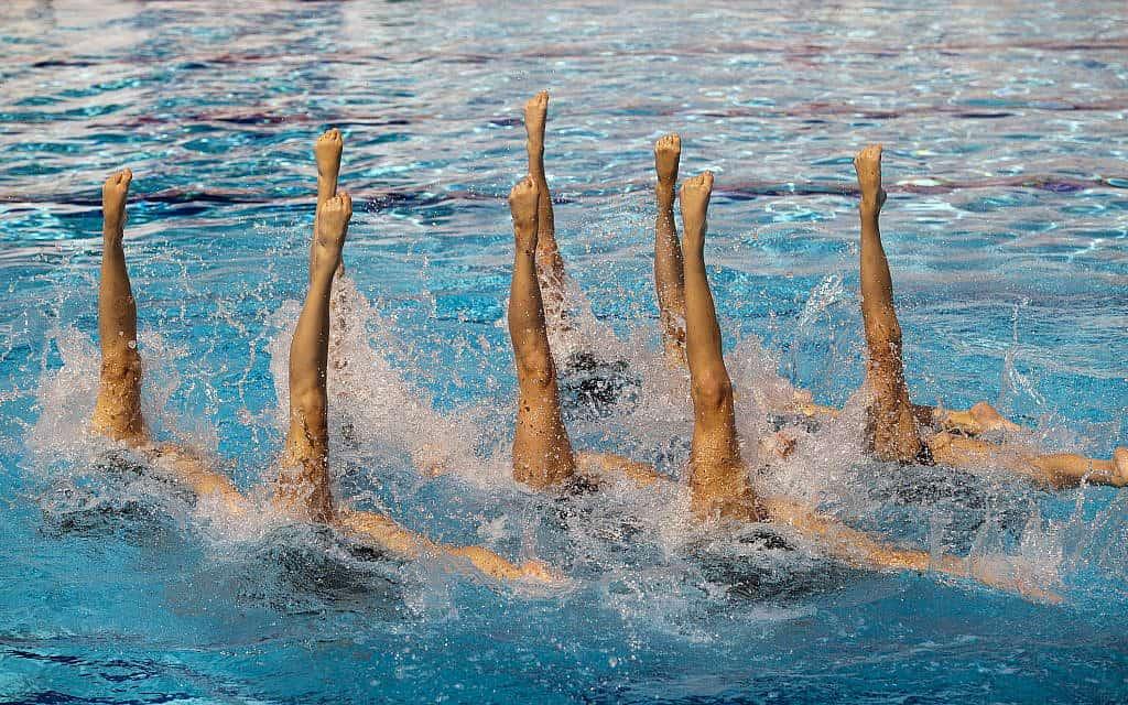 שחייה צורנית. אילוסטרציה (צילום: wellphoto/iStock)