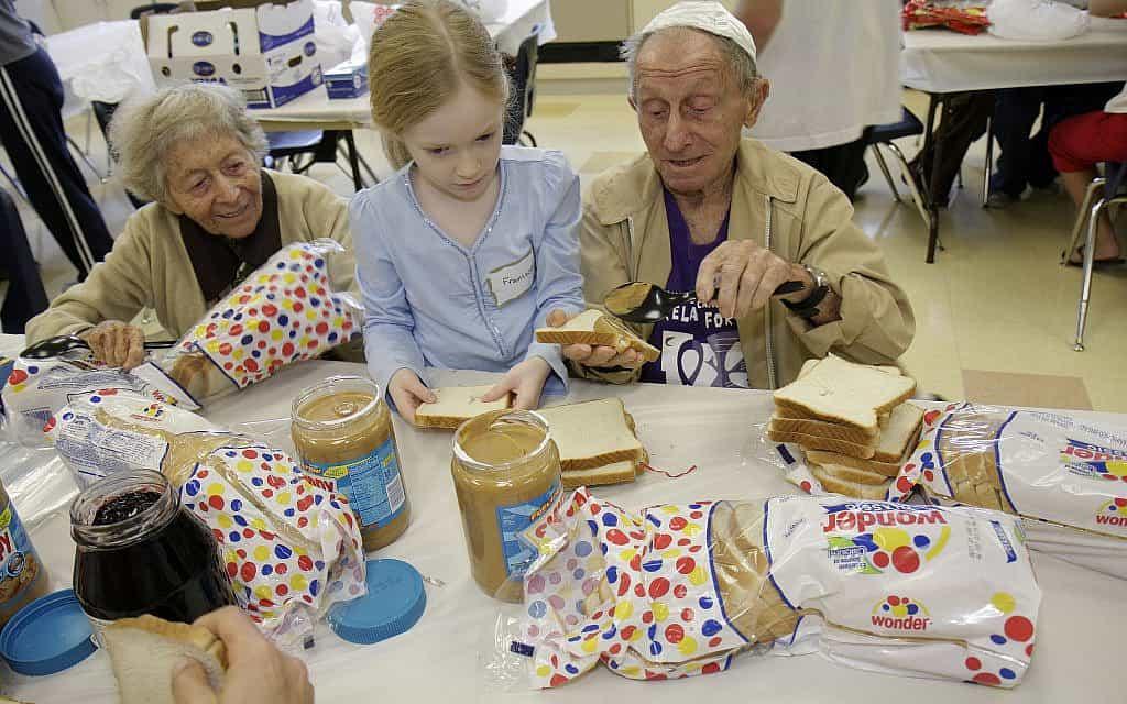 יהודים בני 65 ומעלה מהווים יותר מרבע מהאוכלוסייה היהודית בארצות הברית (צילום: ג'פרי גרינברג/Getty Images)