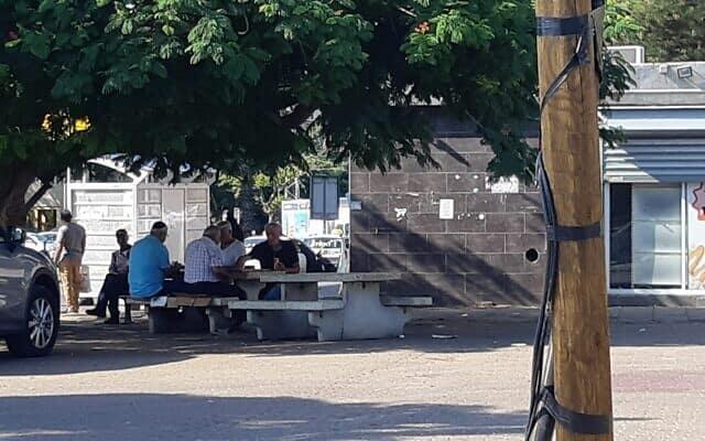 שכונת העתיקות באשקלון. למצולמים אין קשר לנאמר בכתבה (צילום: אירה טולצי׳ן אימרגליק)