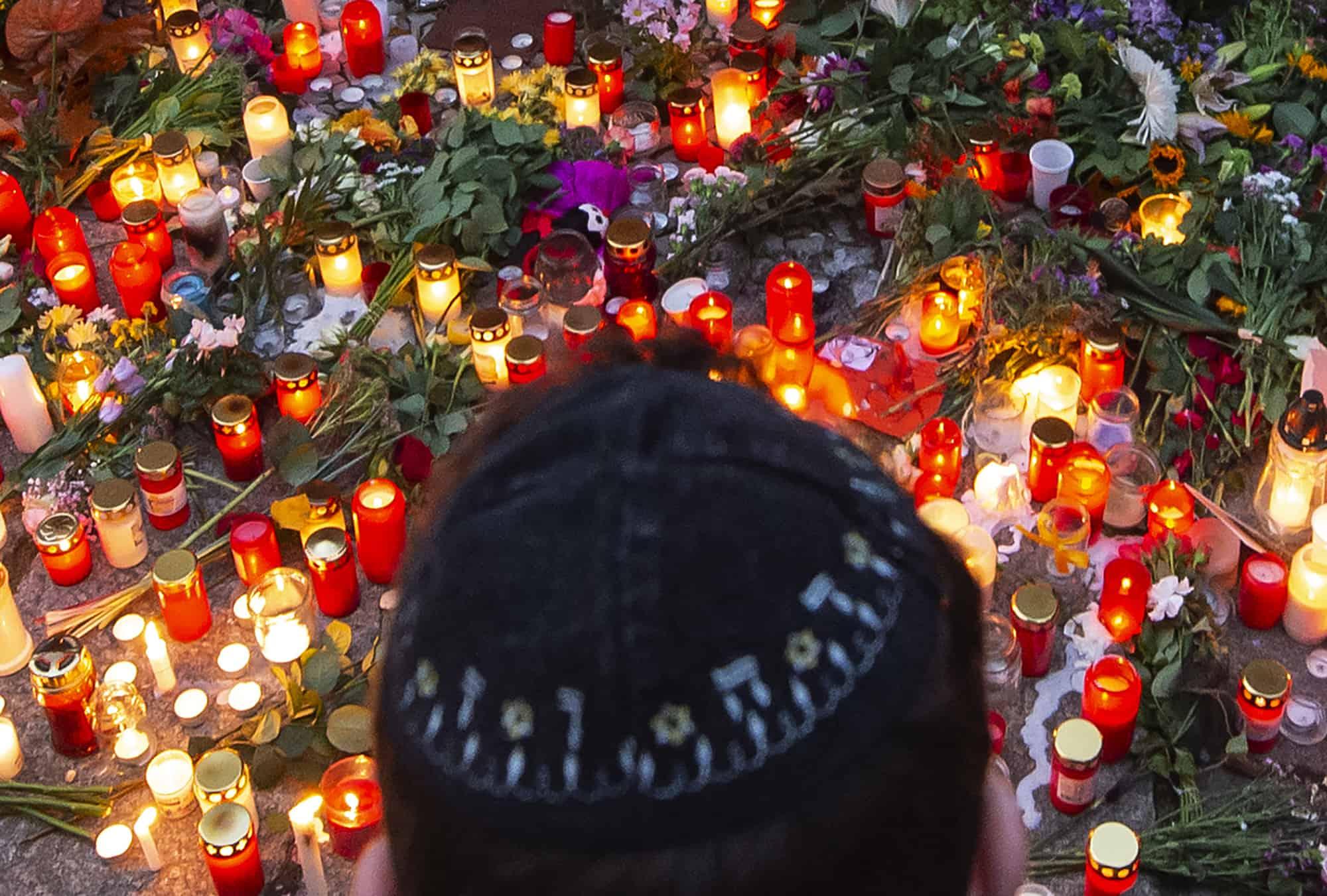 אזור הפיגוע בהאלה, גרמניה (צילום: AP Photo/Jens Meyer)
